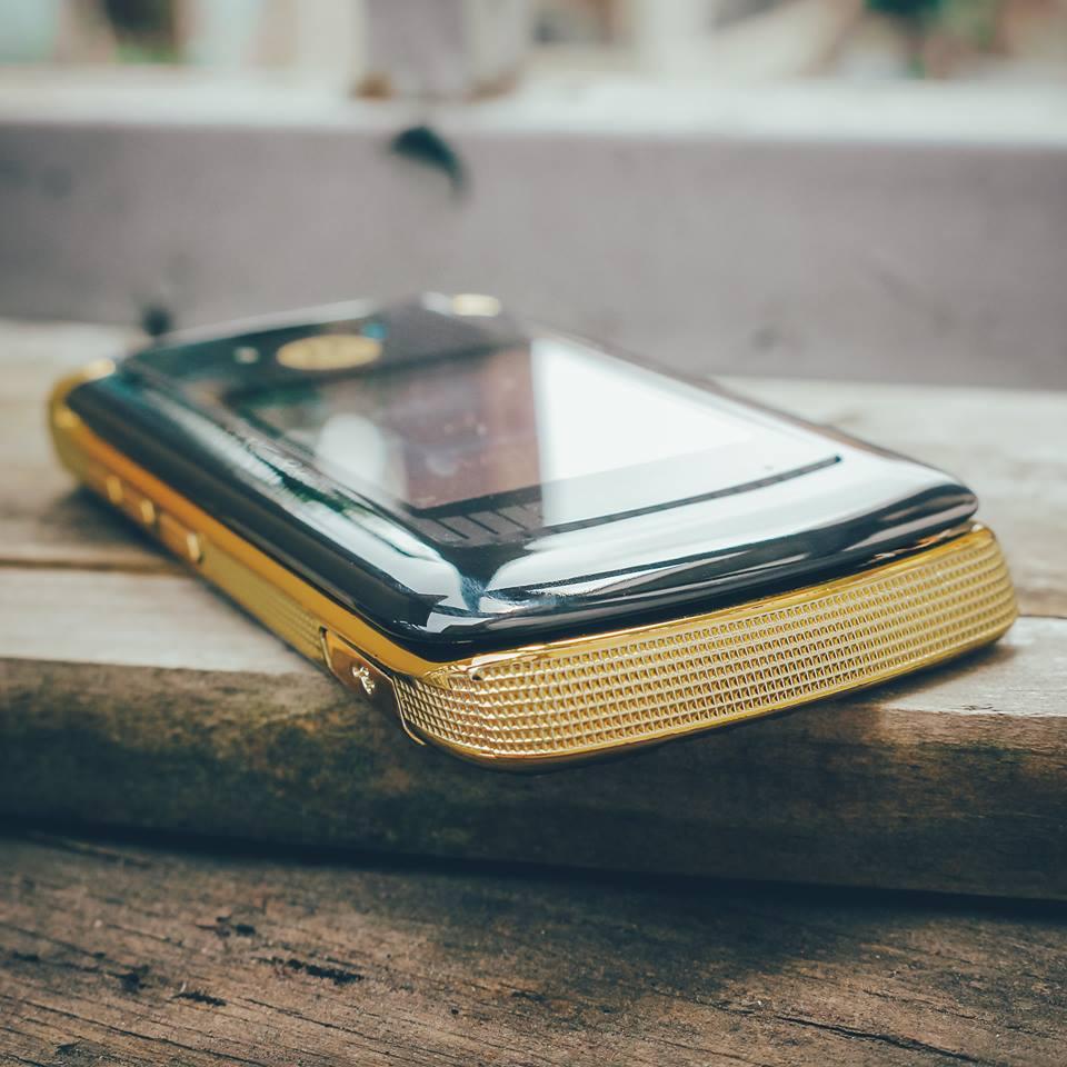 Điện thoại Motorola V3i, V8, V9 nắp gập sang trọng - 16