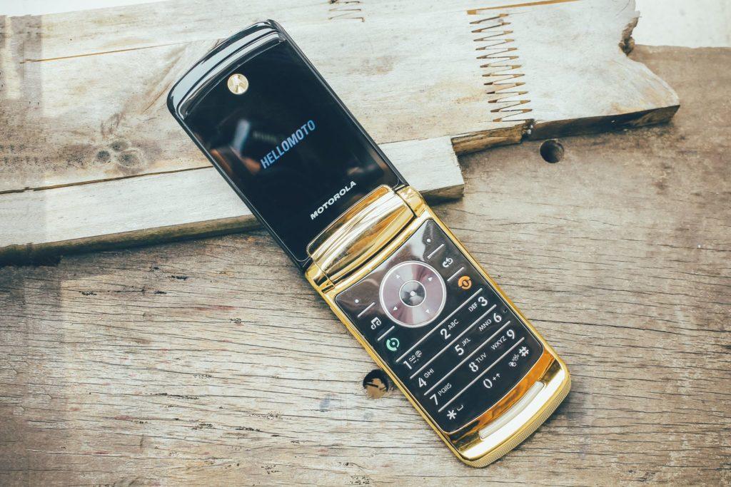 Điện thoại Motorola V3i, V8, V9 nắp gập sang trọng - 12